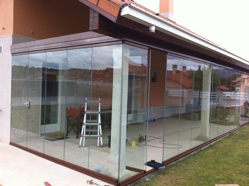 Cerramiento panor mico terrazas o patios ventanasvamin - Terraza de cristal ...